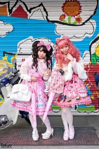 lolita-girls-harajuku-600x899